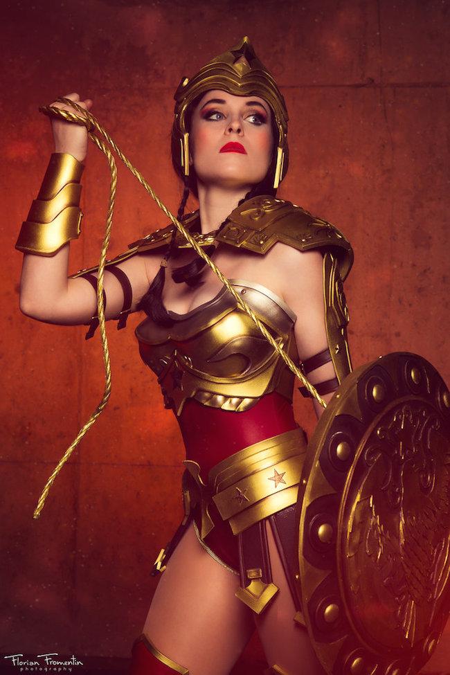Nikita Cosplay Injustice Wonder Woman 2