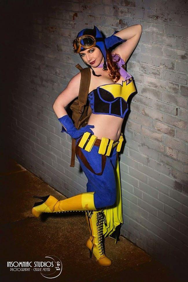 Desiree Cosplay DC Bombshells Batgirl