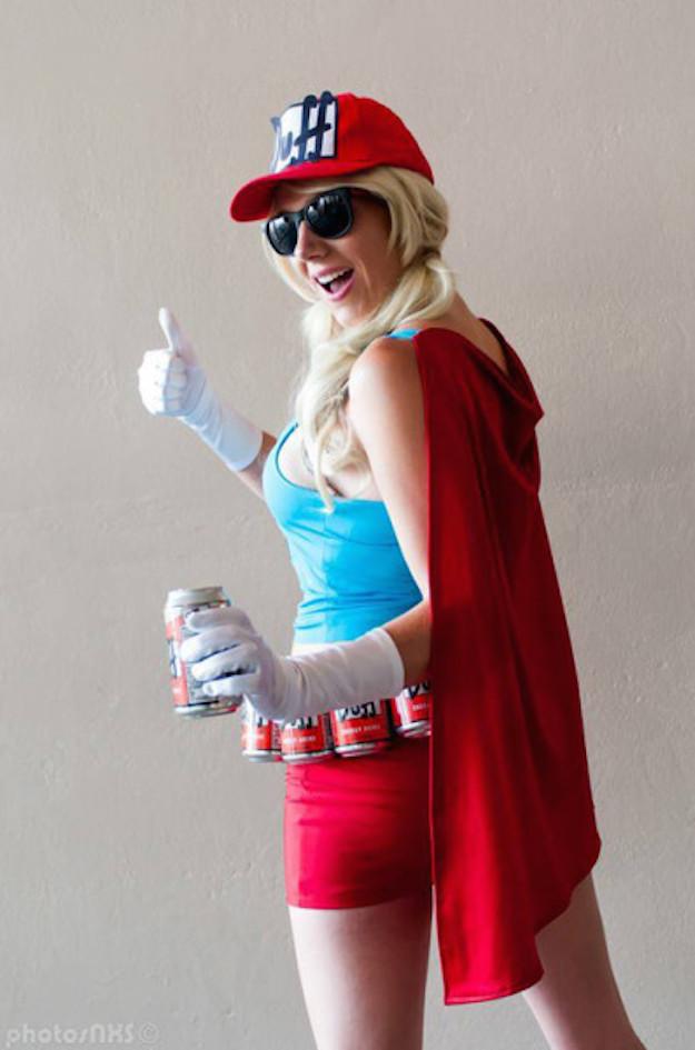 Duff Woman Cosplay 3