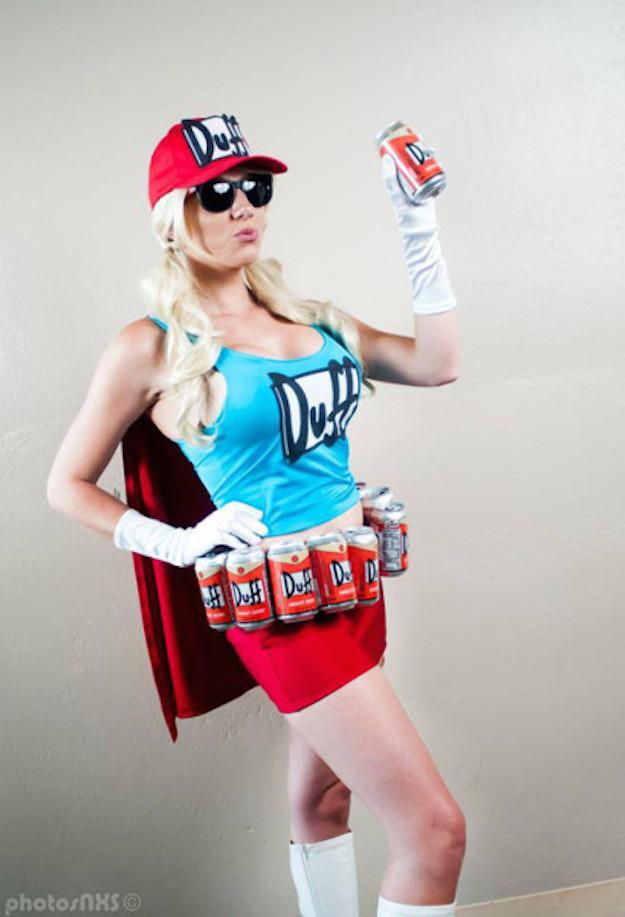 Duff Woman Cosplay 4