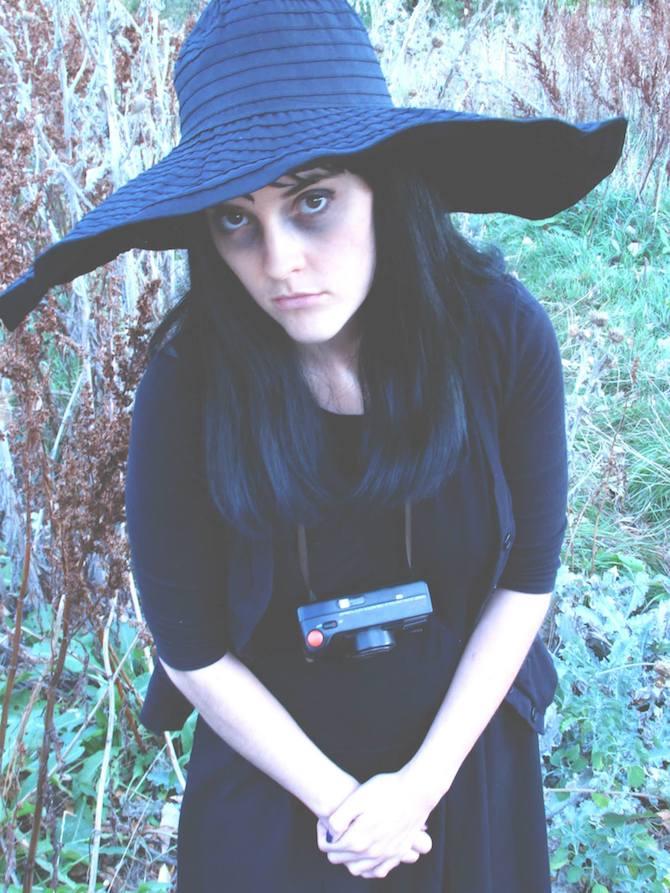 Oh DarlingPan Cosplay Lydia Deetz 6