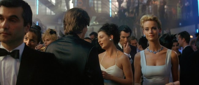 007 Tomorrow Never Dies 3