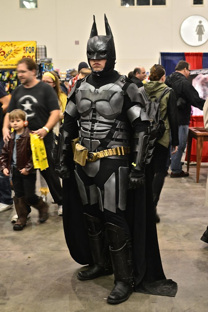 Grand Rapids Comic Con, project-nerd, Batman, cityscape, best cosplay, awesome, Marvel, DC Comics, Dynamite, cosplay, costuming, reddit03