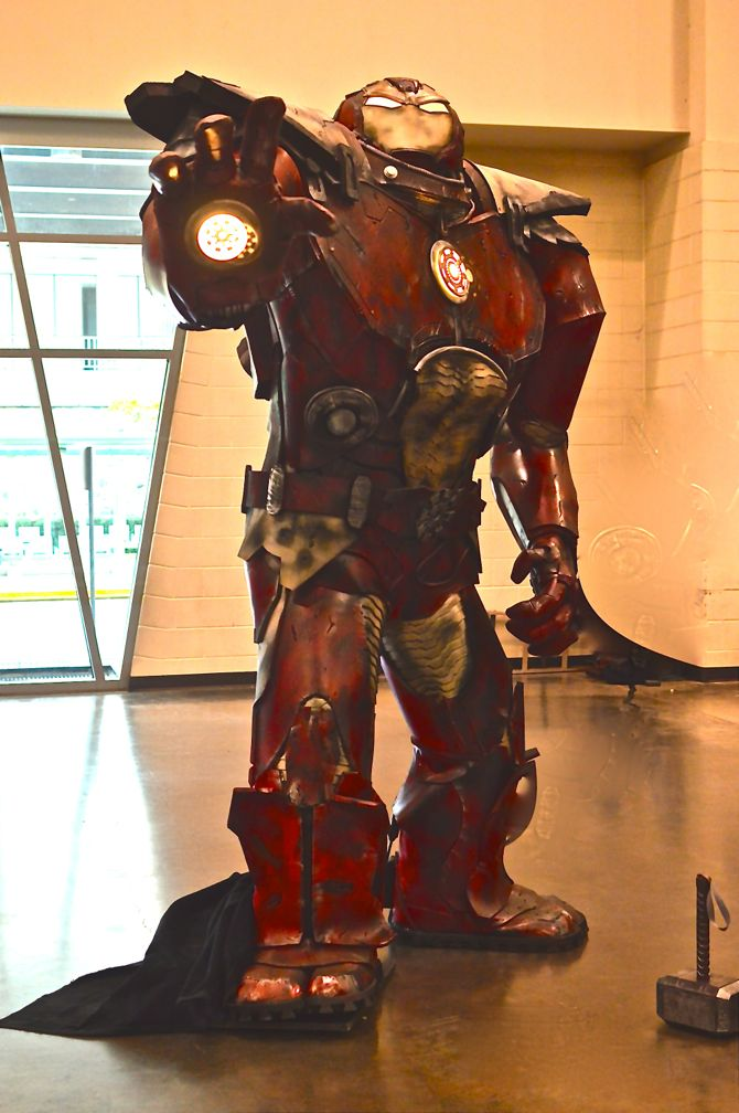 Grand Rapids Comic Con, project-nerd, Hulkbuster, cityscape, best cosplay, awesome, Marvel, DC Comics, Dynamite, cosplay, costuming, reddit04