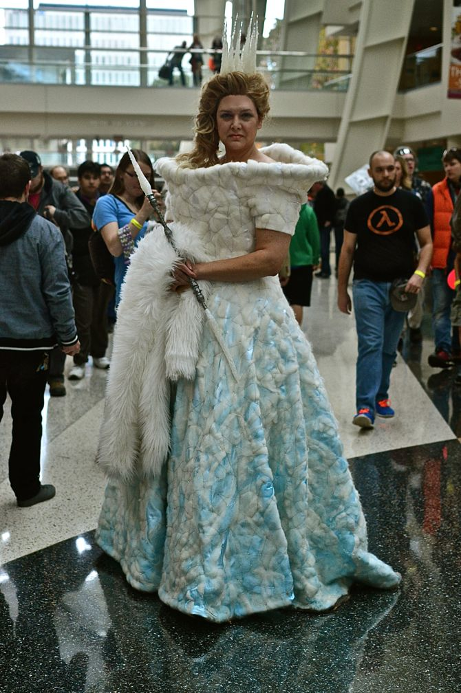 Grand Rapids Comic Con, project-nerd, Ice Queen, cityscape, best cosplay, awesome, Marvel, DC Comics, Dynamite, cosplay, costuming, reddit08