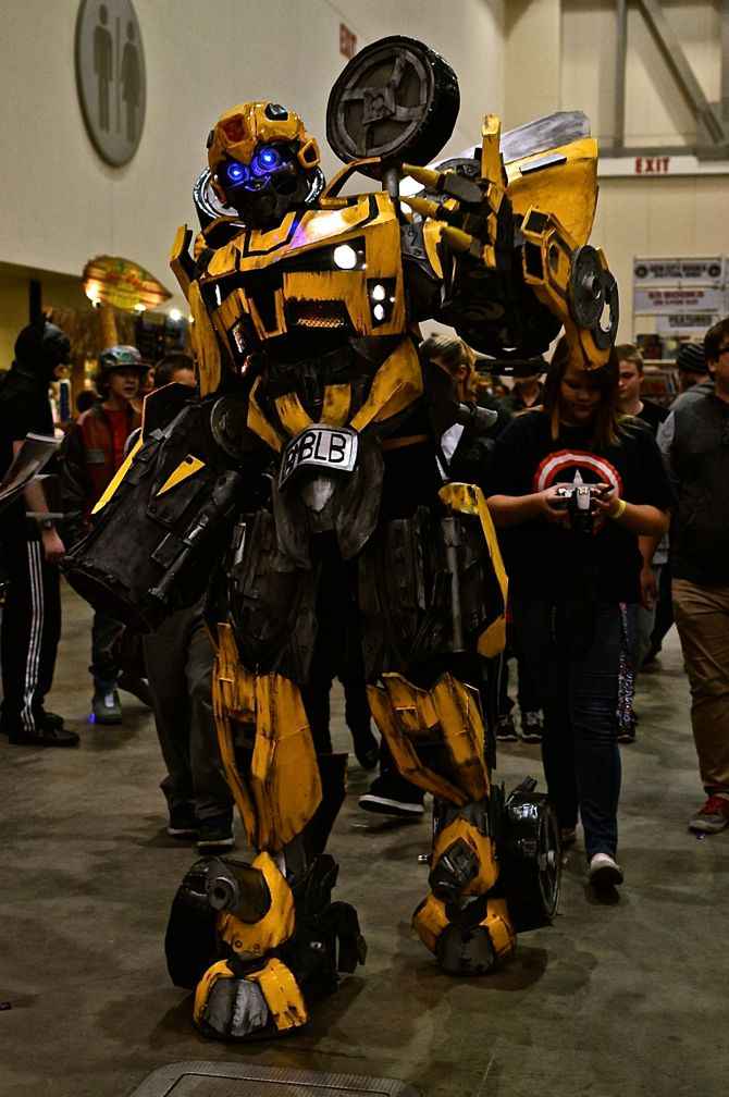 Grand Rapids Comic Con, project-nerd, Transformers, BumbleBee, cityscape, best cosplay, awesome, Marvel, DC Comics, Dynamite, cosplay, costuming, reddit12