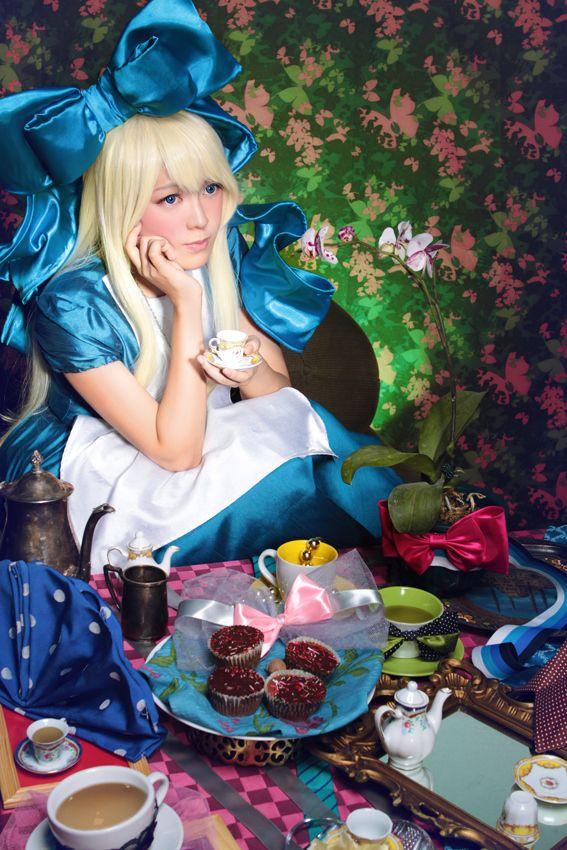 Alice in Wonderland, Bleachnstain Photo + Design Studio, The Red Queen, White Rabbit, Alice, The Mad Hatter, Mad Hatter Tea Party, White Rabbit, Anniversary1