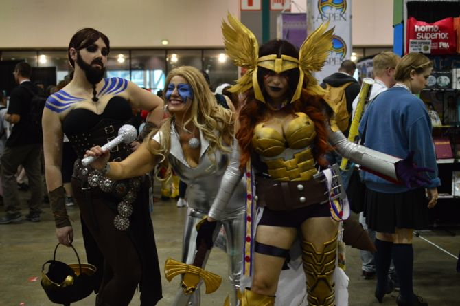 Comikaze, Stan Lee, Marvel, DCComics, comics, cosplay, costumes, CBR, comicbook, comic con, cosplayers, Dynamite, Dark Horse, Independent5