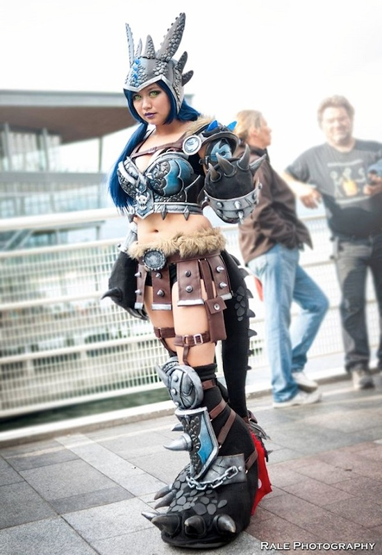 Armored Lady Toothless 1