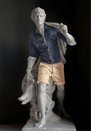 Statue 2