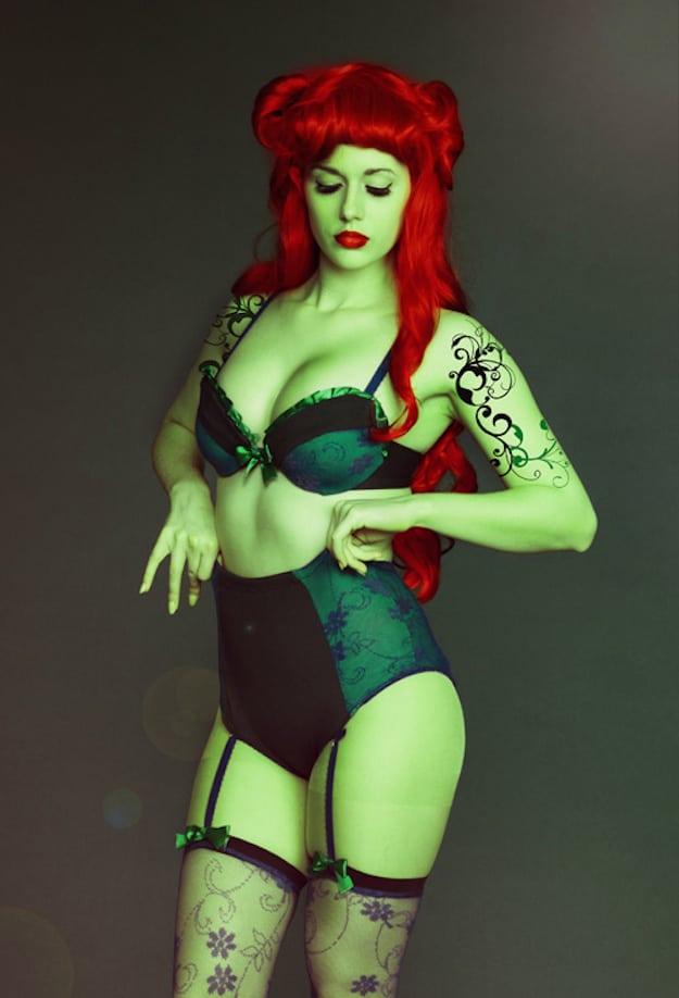 poison-ivy-lingerie-01