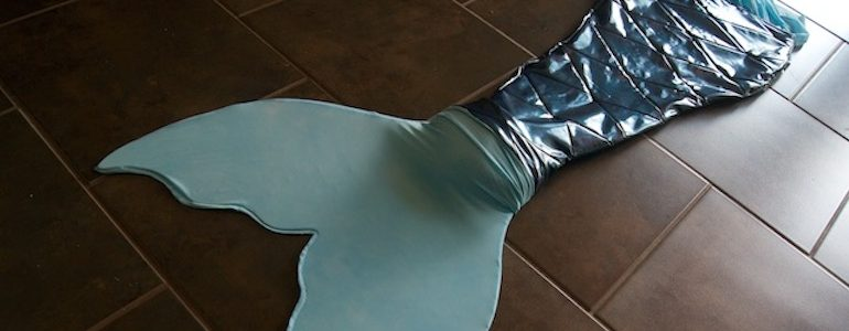 Swimming with a Mermaid Tail – Cosplay Tutorial