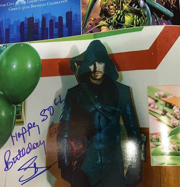 Amell-Autograph