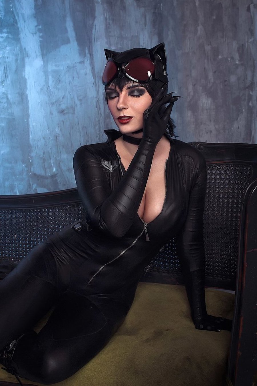 Purrrfect Catwoman Cosplay | Project-Nerd