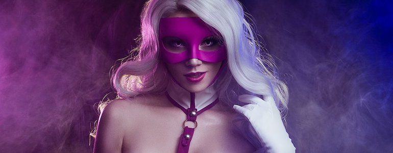 Catch This 'White Rabbit' Cosplay