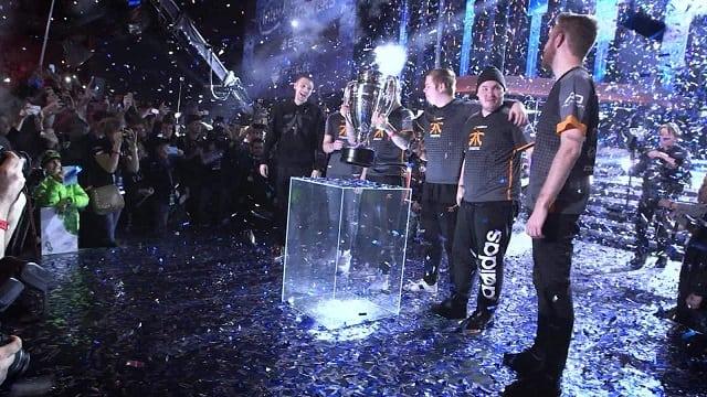 winning esports team